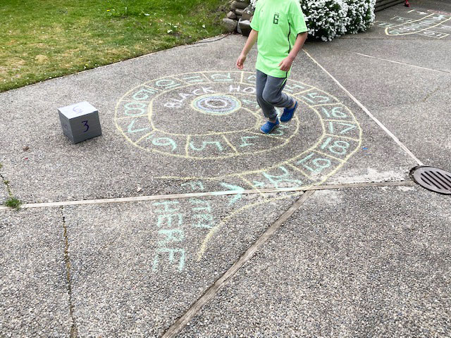 This image has an empty alt attribute; its file name is chalk4.jpg